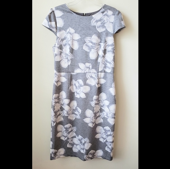 Betsey Johnson Dresses & Skirts - Betsey Johnson Floral Scuba Sheath dress size 14